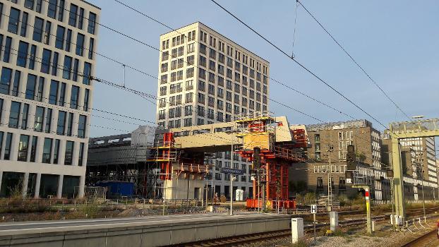 Der Arnulfsteg im Bau