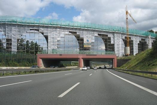 Bahrebachmühlenviadukt über die A4 bei Chemnitz.