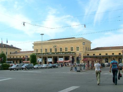 Gare de Bologna Centrale(photographe: Twice25 & Rinina25)