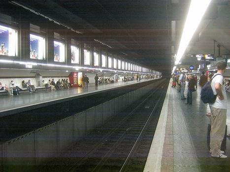 Bahnhof Charles de Gaulle - Étoile