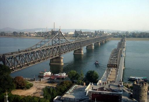 Pont de l'amitié Sino-Coréenne & Pont de Sinuiju