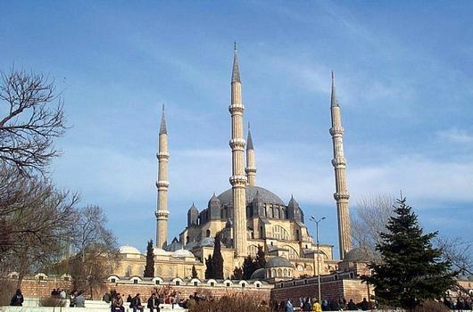 Selimiye Mosque (photographer: Nevit Dilmen)