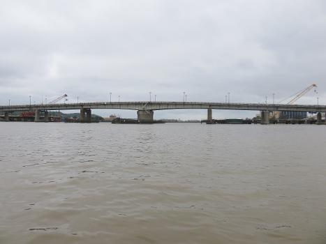 Frederick Douglass Memorial Bridge over the Anacostia River in Washington, D.C. in 2018 : The beginning of construction for the new bridge is visible.