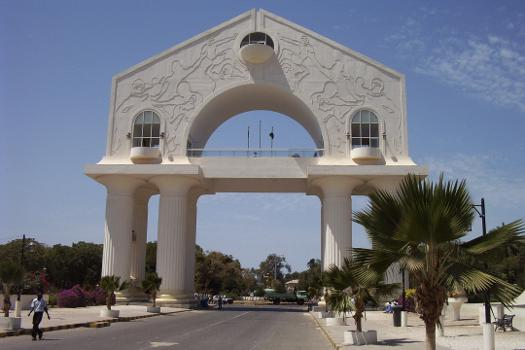 Banjul - Arch 22 (Fotograf: Atamari)