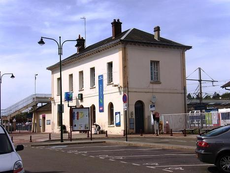 Bahnhof Dourdan