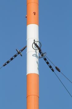 Befestigung der Seile der untersten Abspannebene am Hauptsendemast Mühlacker