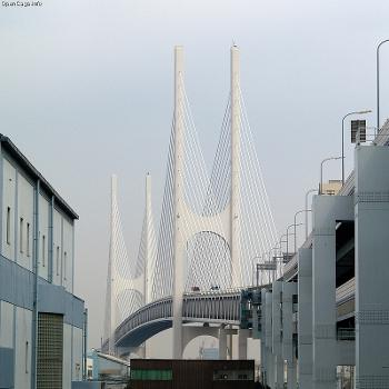 Higashi-Kobe Bridge in Hyōgo prefecture