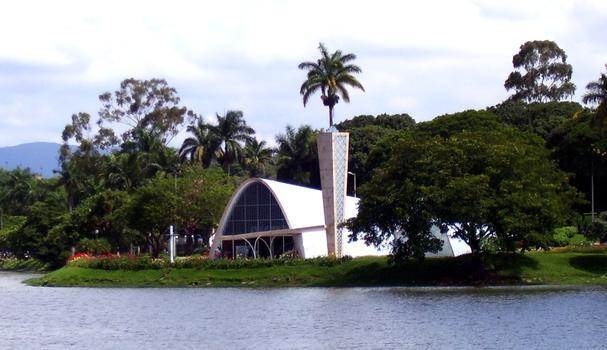 Eglise Saint-François-d'Assise (Belo Horizontz, Brésil)(photographe: Cid Costa Neto) : Eglise Saint-François-d'Assise (Belo Horizontz, Brésil) (photographe: Cid Costa Neto)