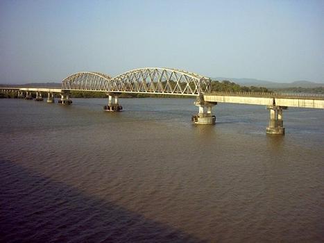 Pont sur le Zuari