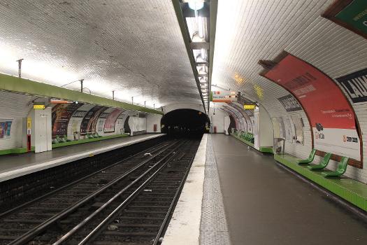 Metrobahnhof Laumière