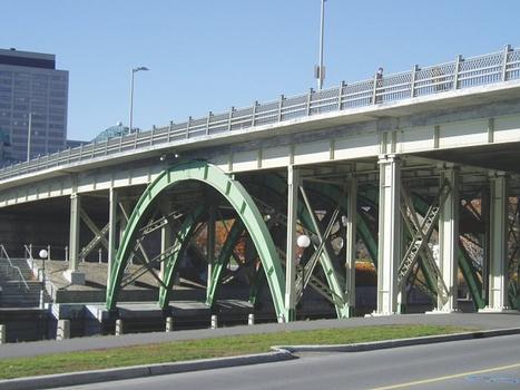 Laurrier Avenue Bridge