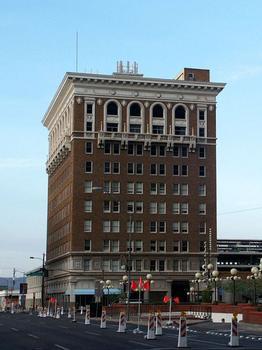 Luhrs Building
