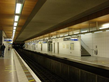 Metrobahnhof Saint-Denis - Université