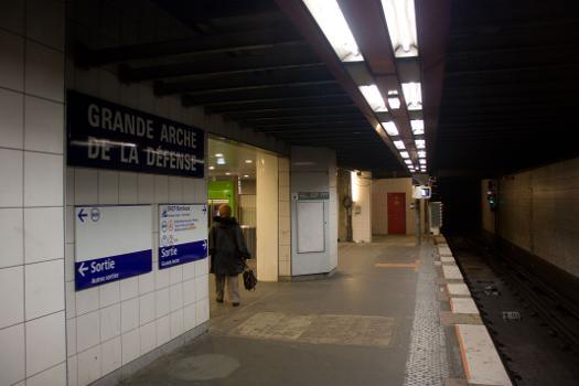 Metrobahnhof La Défense