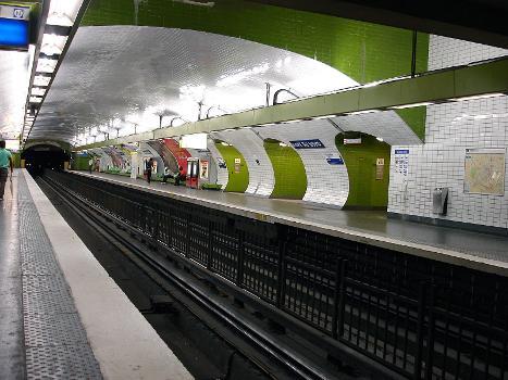 La station Gare du Nord de la ligne 4 du métro de Paris, France