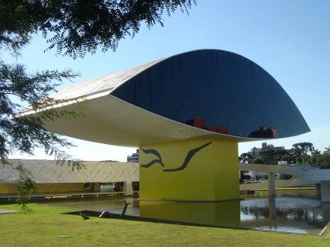 Oscar Niemeyer-Museum (Fotograf: Mario Roberto Duran Ortiz)