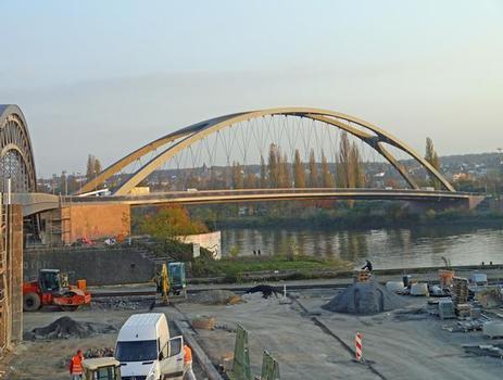 Pont de l'Osthafen à Francfort en construction