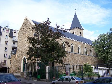 Eglise Sainte-Geneviève des Grandes Carrières