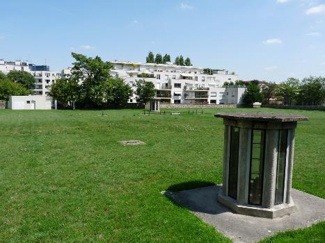 Le réservoir de Charonne à Paris, vue depuis la rue Stendhal