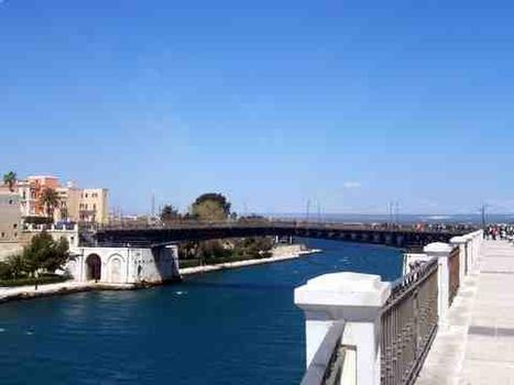 Pont Girevole - Tarente