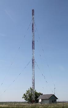 Sendemast Ulm-Jungingen mit Sendergebäude