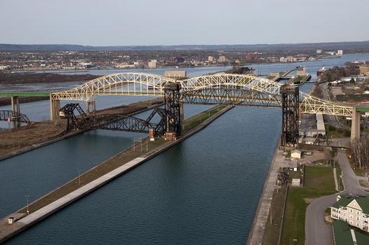 Internationale Brücke