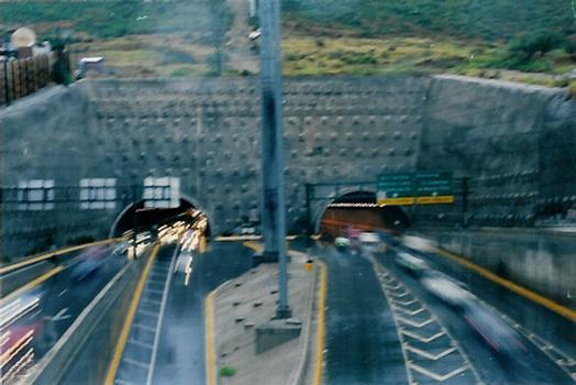 Túnel de la Loma Larga