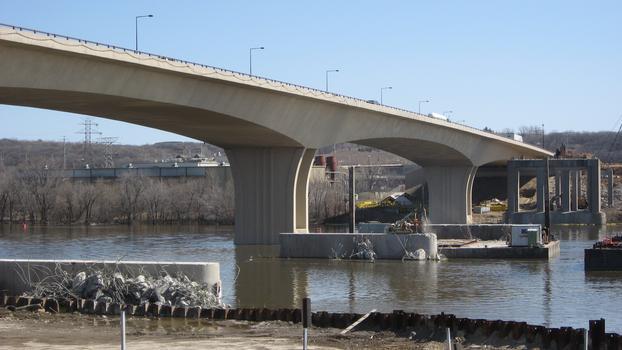 Wakota Bridge (Westbound)
