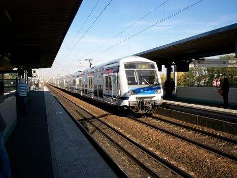Val de Fontenay Station