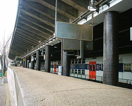 Bahnhof Champ de Mars - Tour Eiffel