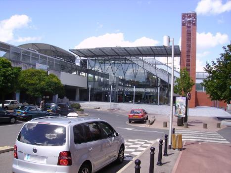 Bahnhof Évry - Courcouronnes