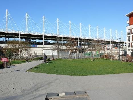 Gare «La Plaine-Stade de France» (photographe: Claude Shoshany)