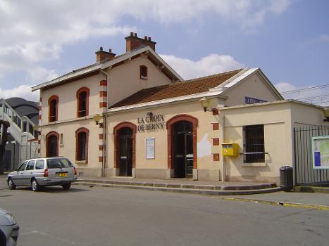 La Croix de Berny Station
