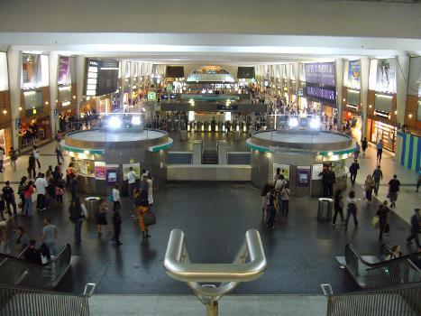 Bahnhof La Défense