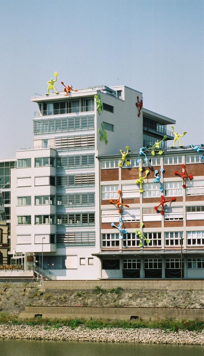 Medienhafen, Düsseldorf – Dock 13 & Roggendorf-Speichergebäude