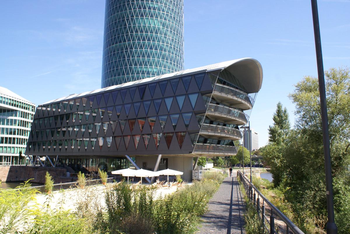 Westhafen-Brückengebäude, Frankfurt