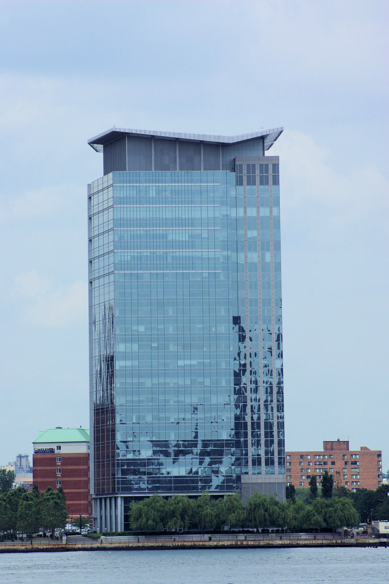 Harborside Plaza 10