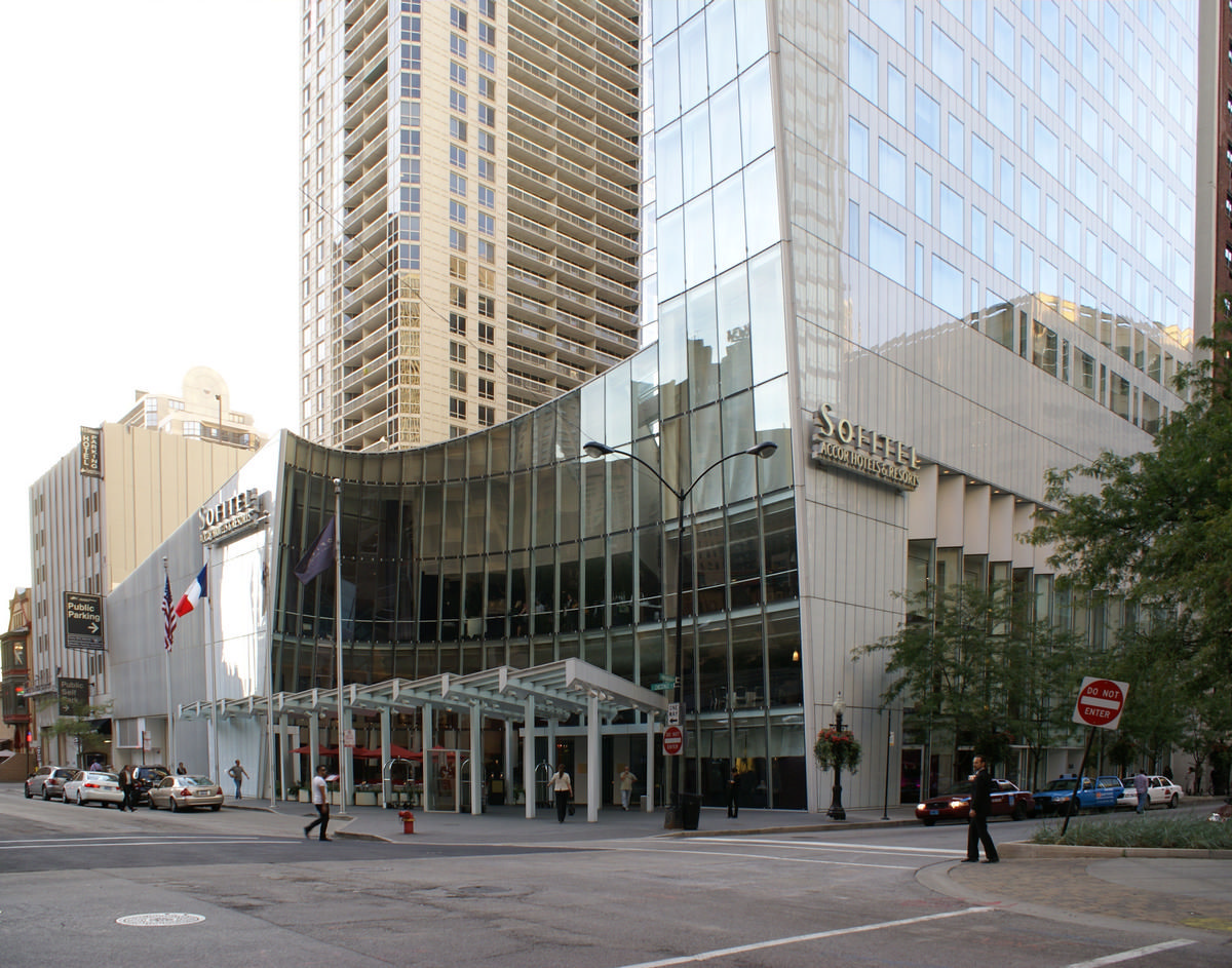 Sofitel Chicago Water Tower Hotel