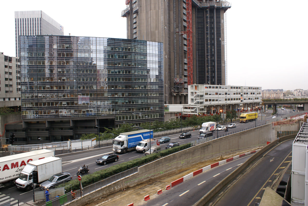 Paris-La Défense – Les Saisons & Tour Axa