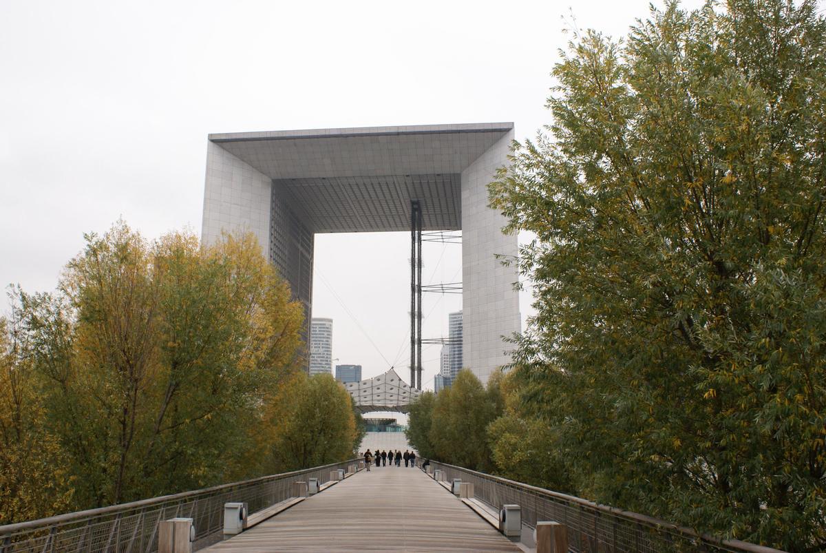 Paris-La Défense – Grande arche de la Défense & La Jetée