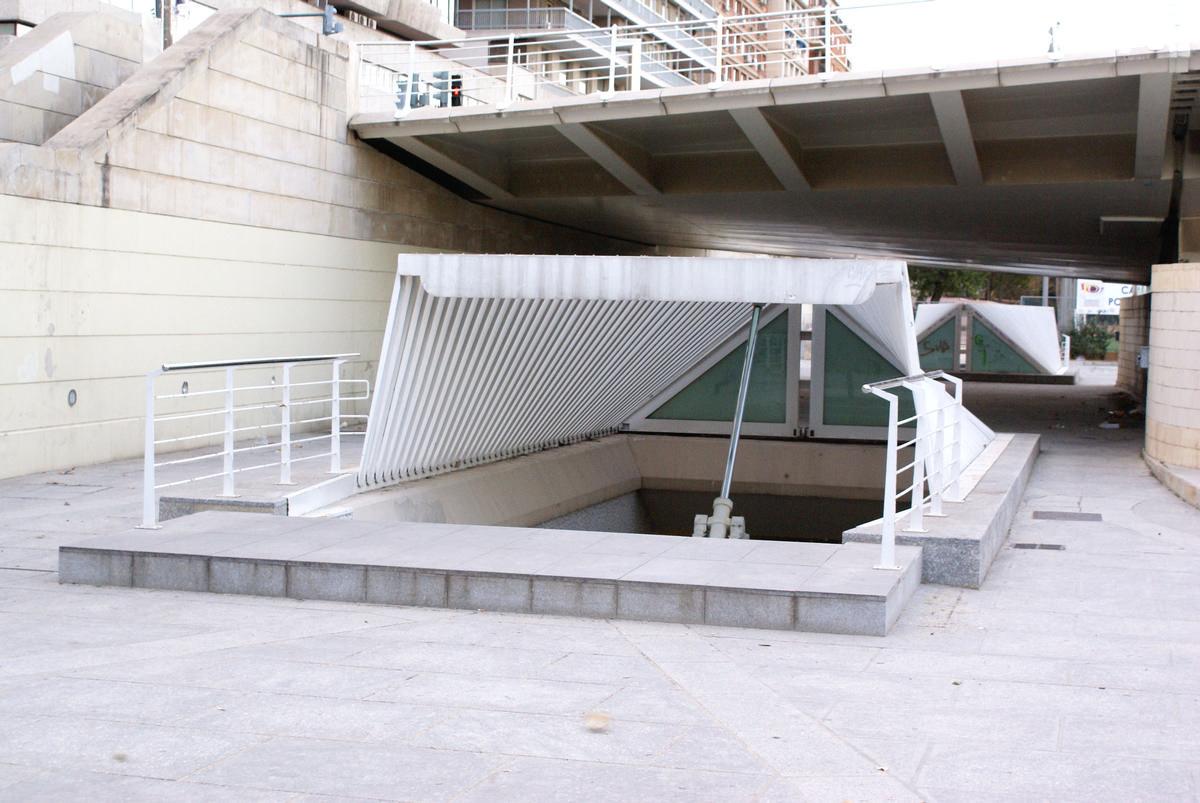 Alameda Metro Station