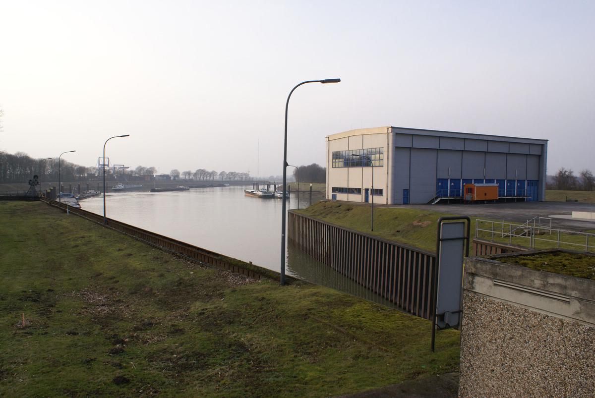 Wesel Datteln Canal - Friedrichsfeld Lock