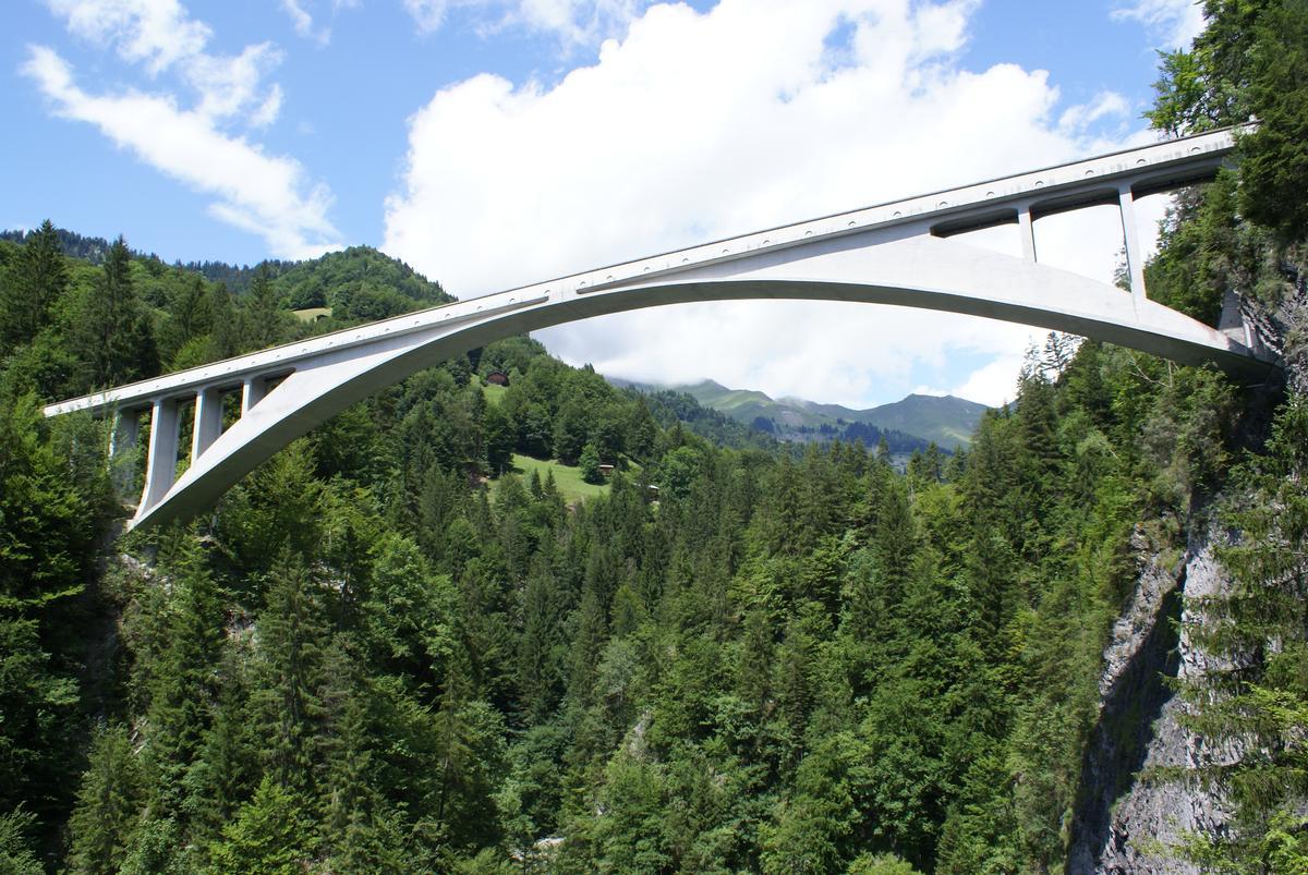 VI. Arches: The Salginatobel Bridge - curee.org