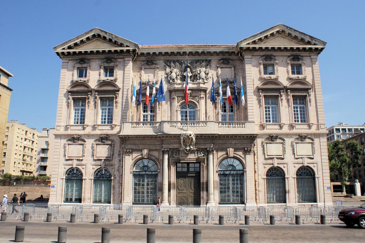 H tel de ville marseille marseille 1670 structurae for Mairie de salon de provence etat civil