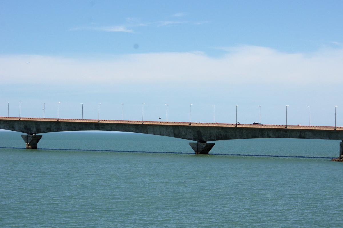 Constructeur Ile De Ré pont de l'ile de ré (rivedoux-plage/la pallice, 1988