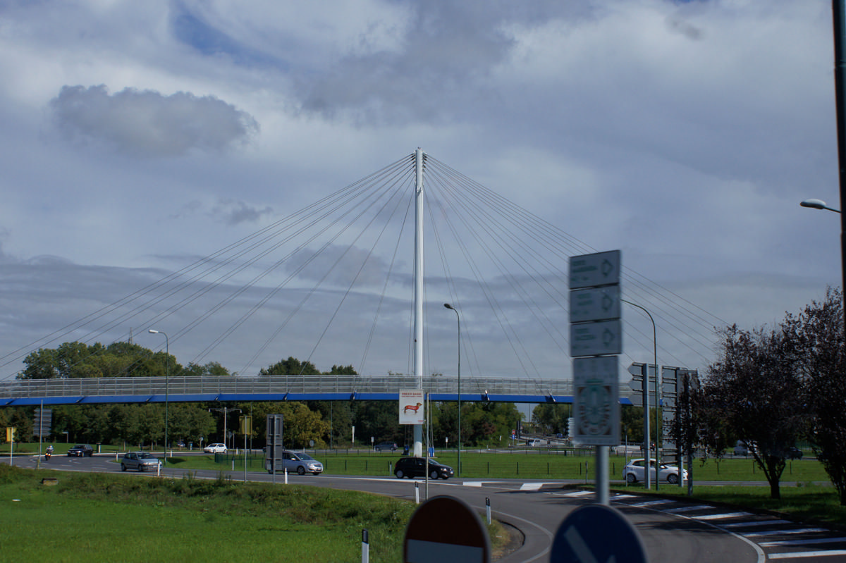 Via Orlanda Footbridge