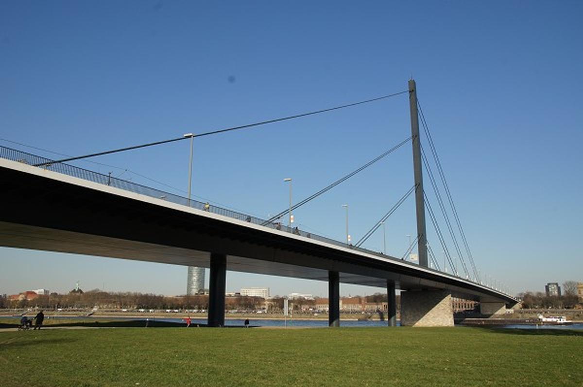 Oberkassel Bridge