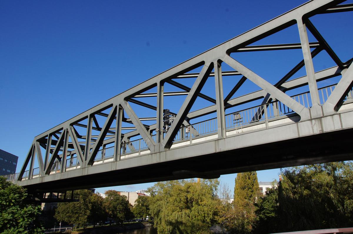 Anhalter Bahnbrücke
