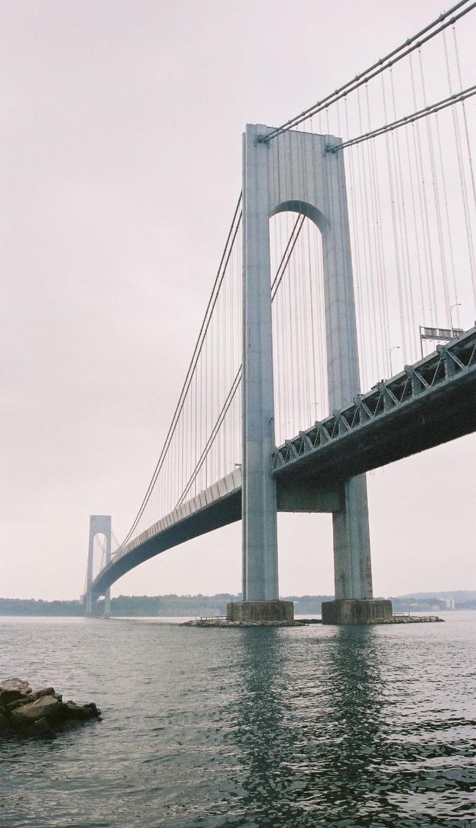 Verrazano Narrows Bridge, New York.