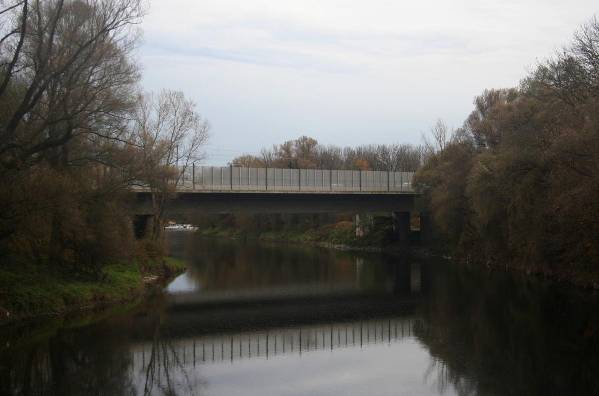 Pont autoroutier d'Achering (A92)